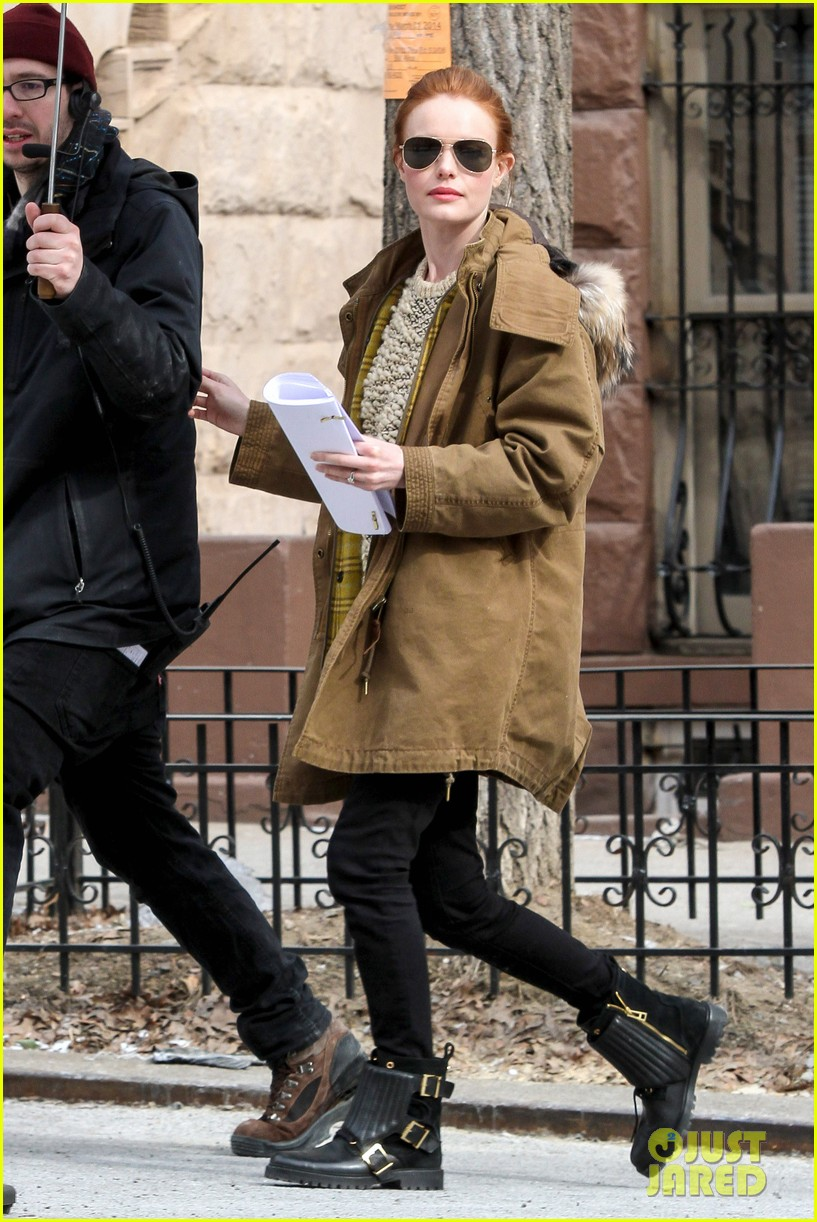 kate bosworth kristen stewart get ready for work on still alice set 103065921