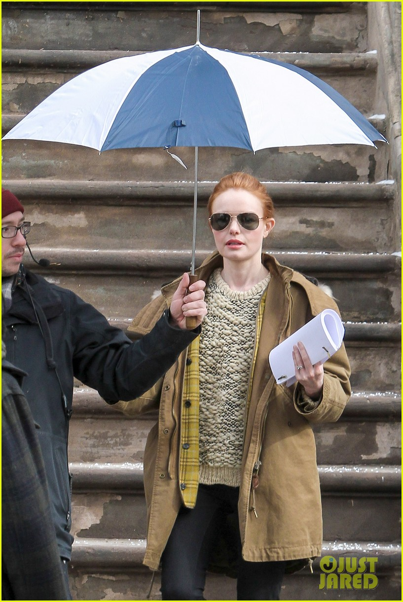 kate bosworth kristen stewart get ready for work on still alice set 11