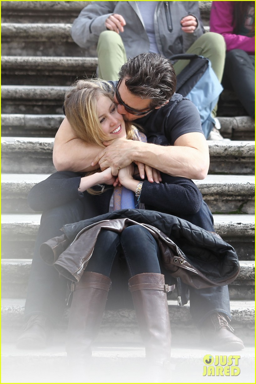 josh brolin kisses cuddles his new girlfriend assistant kathryn boyd 043065855