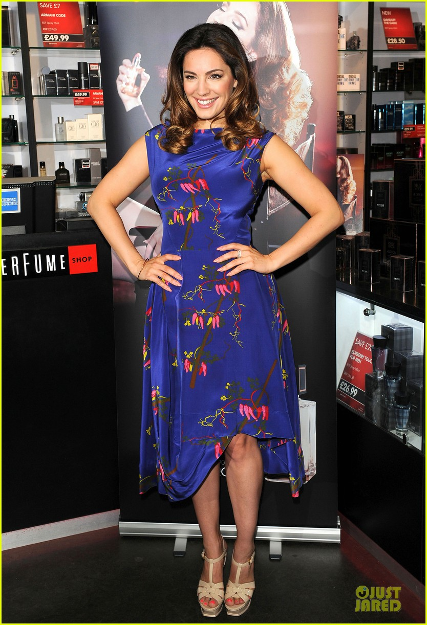 kelly brook audition perfume launch 01