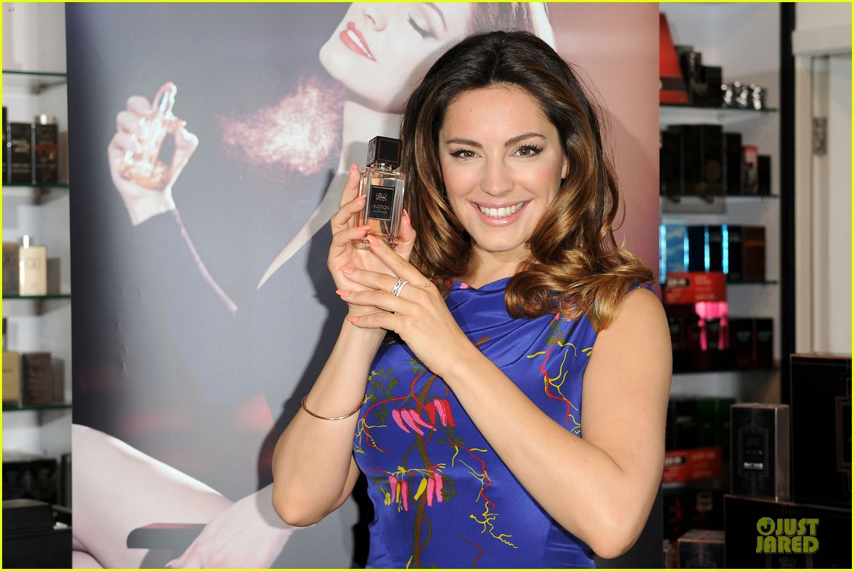 kelly brook audition perfume launch 08