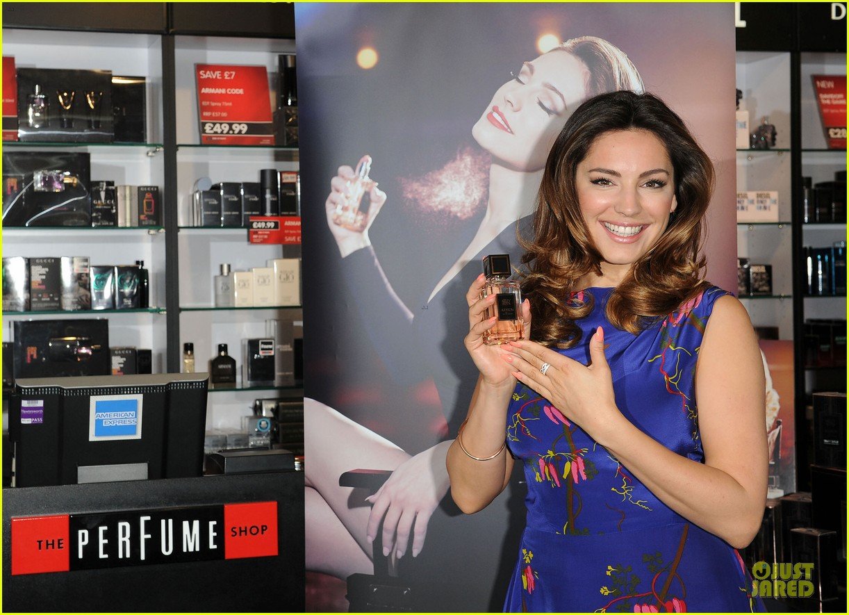 kelly brook audition perfume launch 18