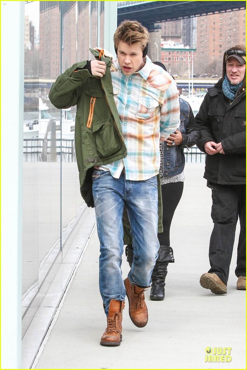 chord overstreet give amber riley jacket to stay warm 22