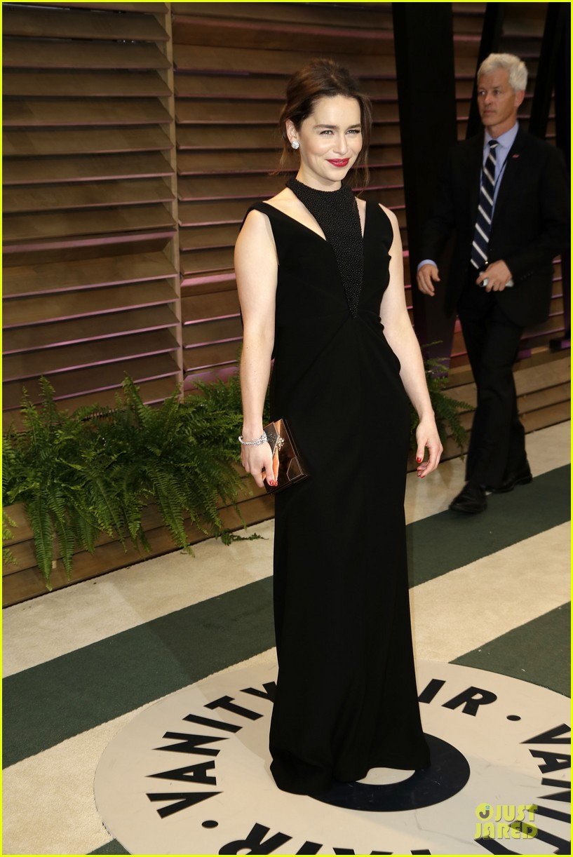 emilia clarke wows with an intricate neckline at vanity fair oscars party 2014 013064243