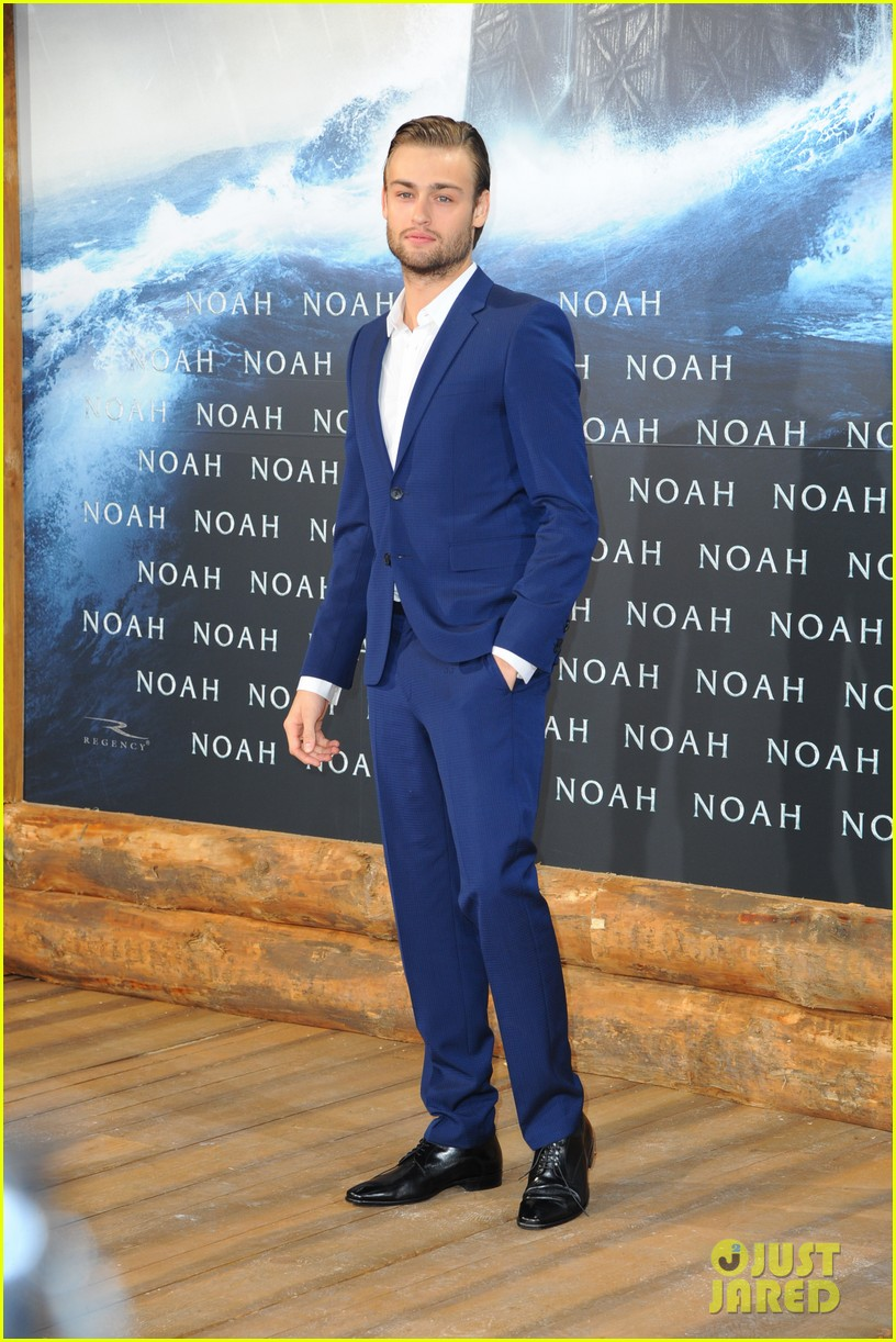 jennifer connelly douglas booth noah premiere in berlin 013071314