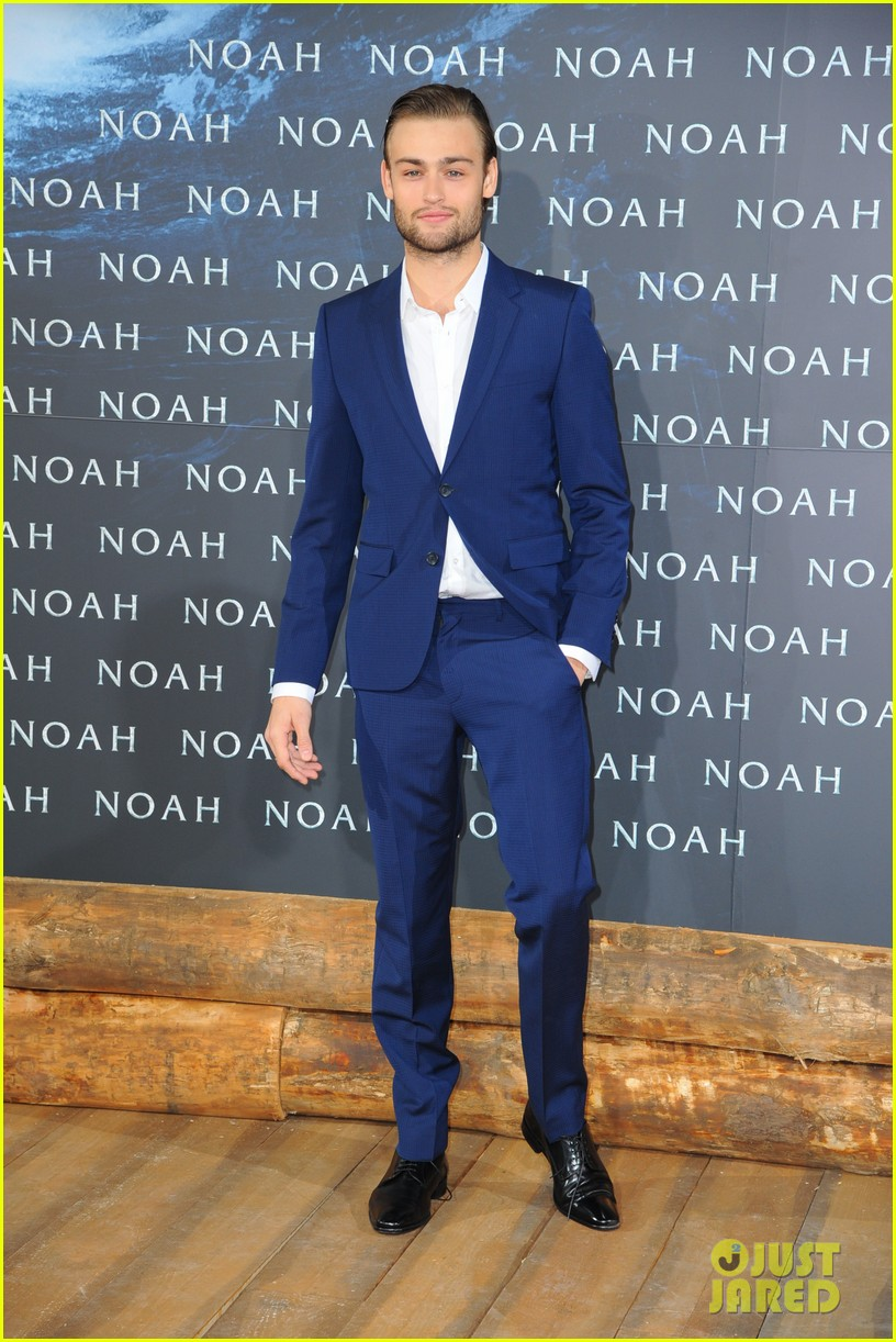 jennifer connelly douglas booth noah premiere in berlin 10