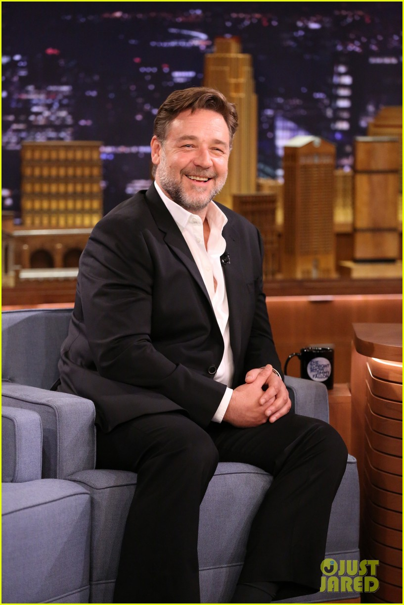 noah jennifer connelly russell crowe take over late night 053080315