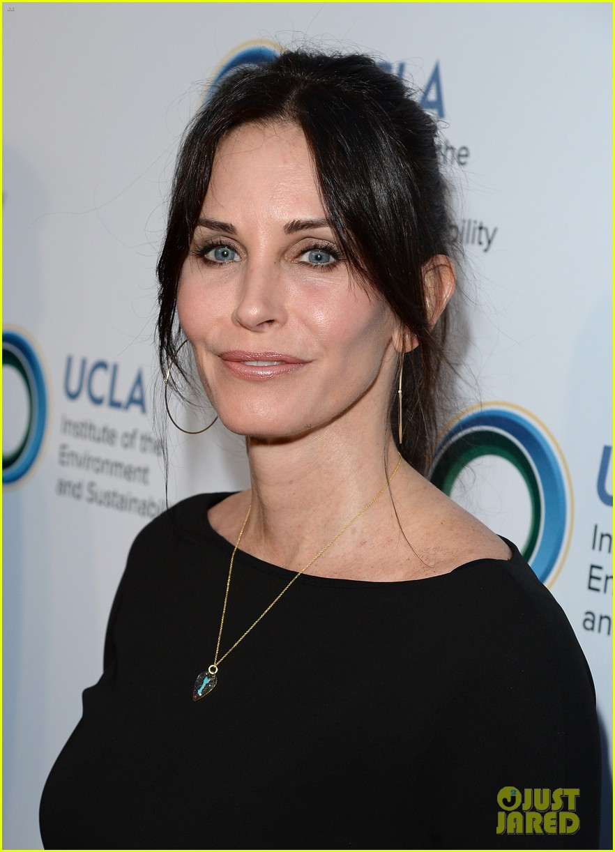 courteney cox boyfriend johnny mcdaid look so in love 063076809