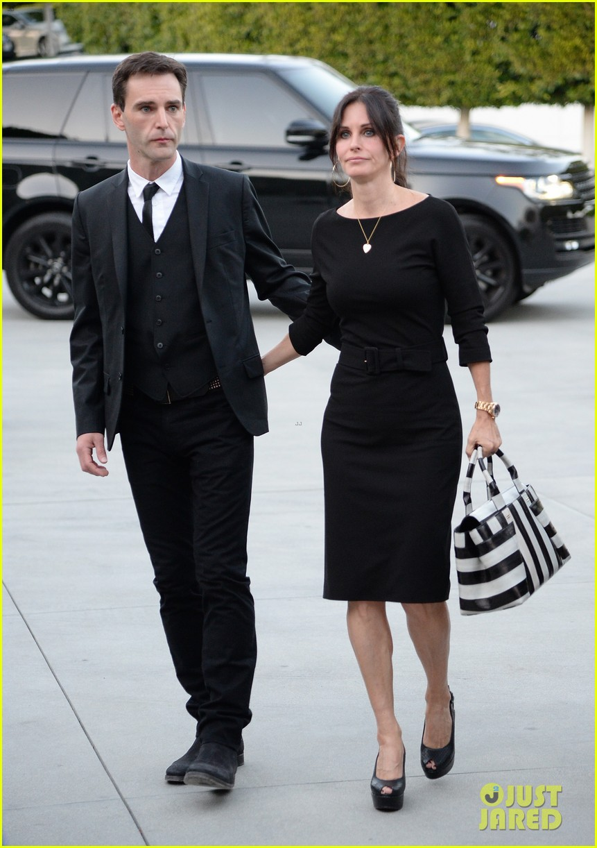 courteney cox boyfriend johnny mcdaid look so in love 14