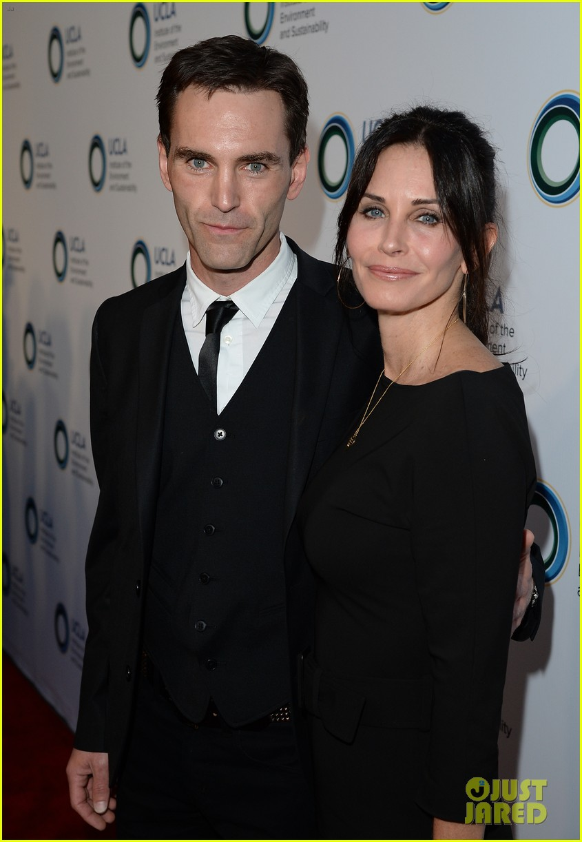 courteney cox boyfriend johnny mcdaid look so in love 17