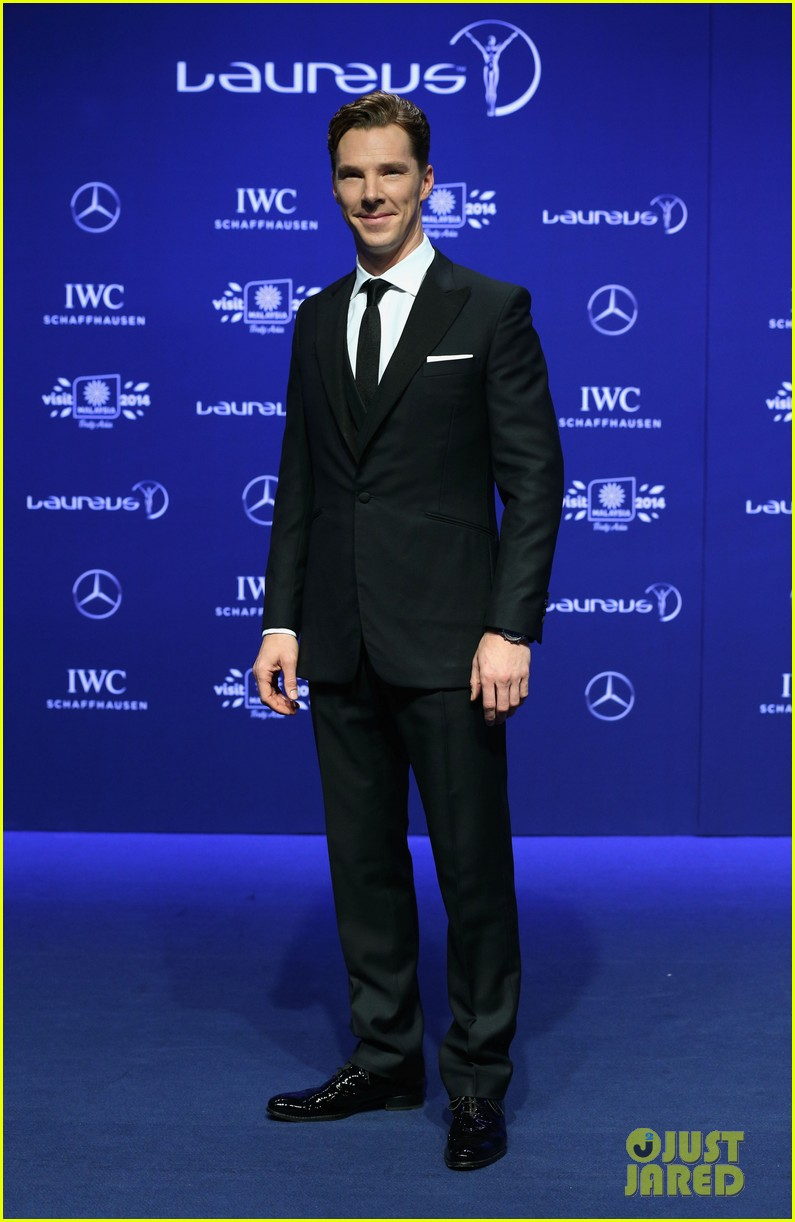 benedict cumberbatch looks mighty fine hosting sports award show 103078882