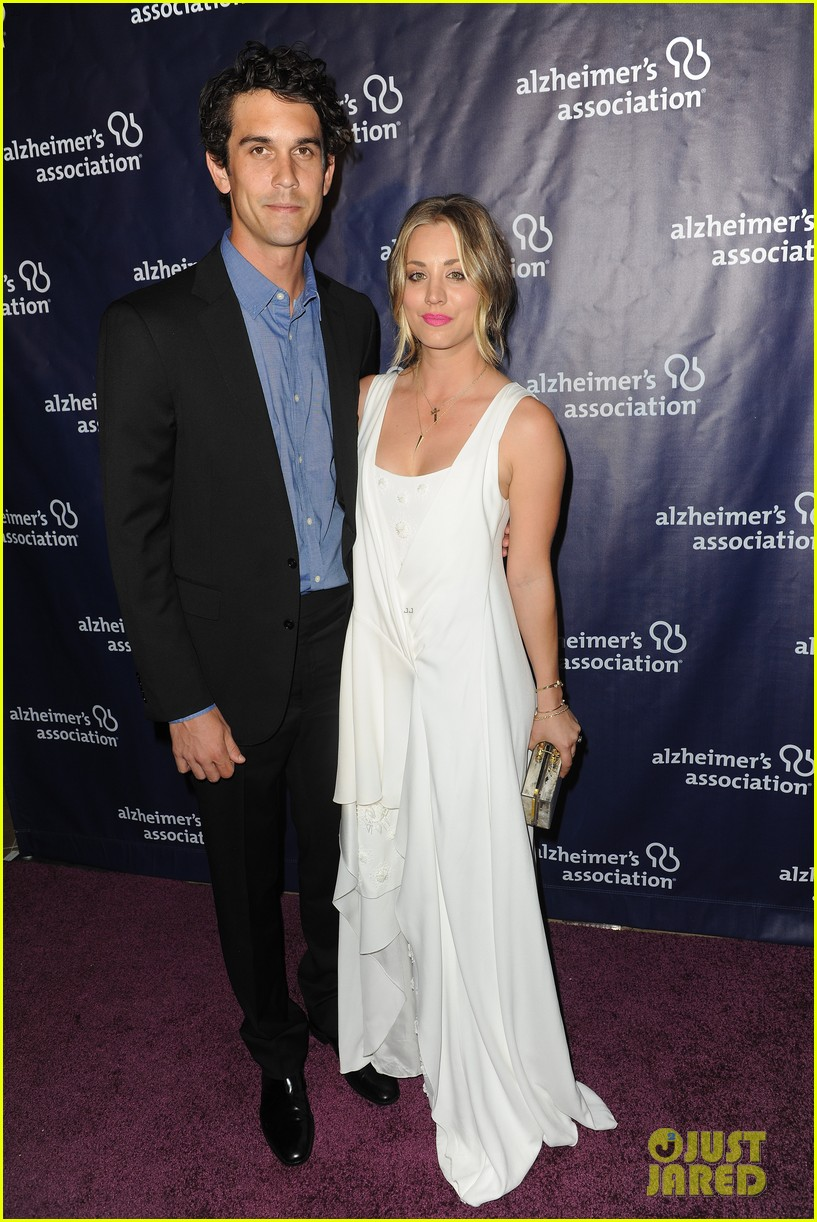 kaley cuoco attends a night at sardis with ryan sweeting sister briana 103079554