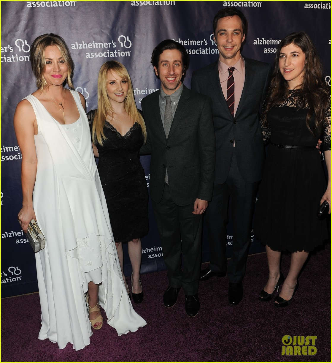 kaley cuoco attends a night at sardis with ryan sweeting sister briana 15