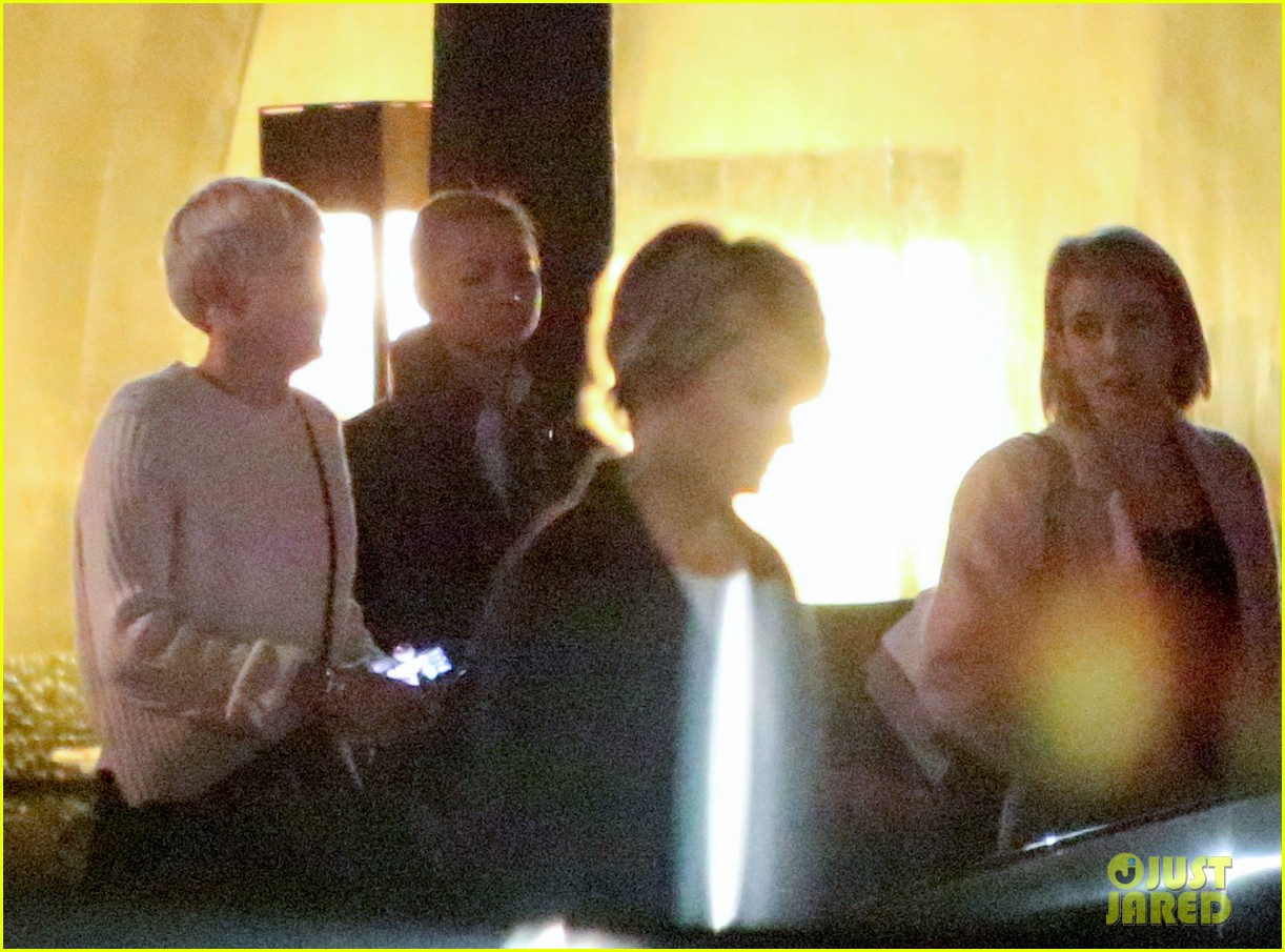 miley cyrus emma roberts have dinner together 02