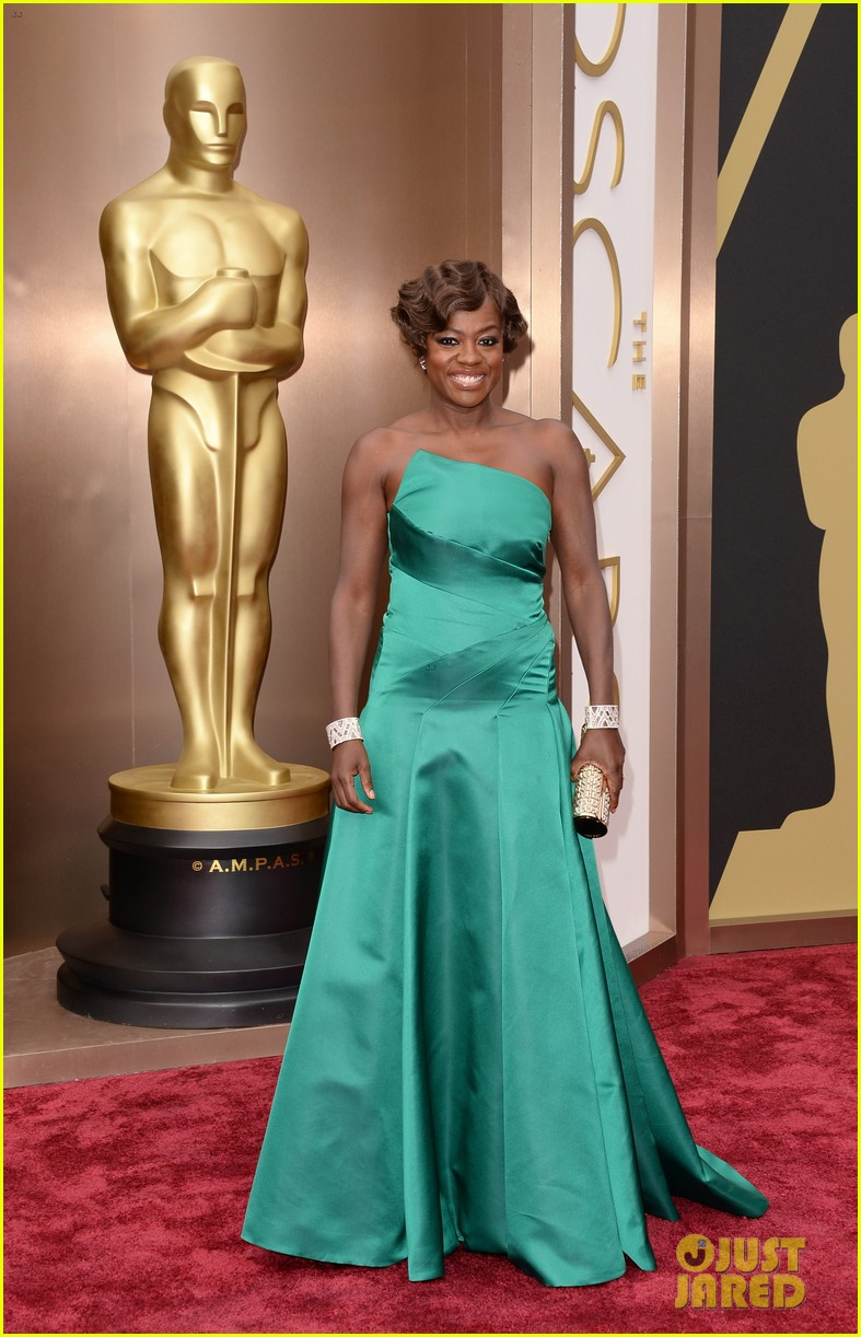 viola davis oscars 2014 red carpet with husband julius tennon 02