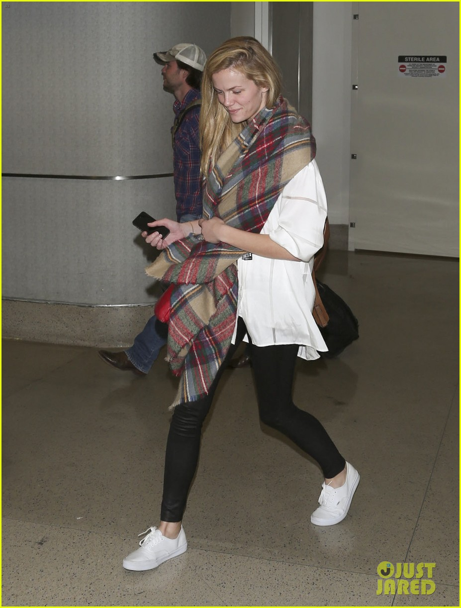 brooklyn decker taylor kitsch battleship reunion lax 193073651