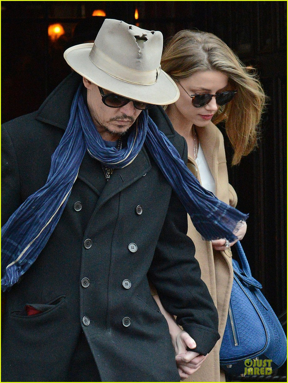 johnny depp amber heard hold on tight in nyc 04