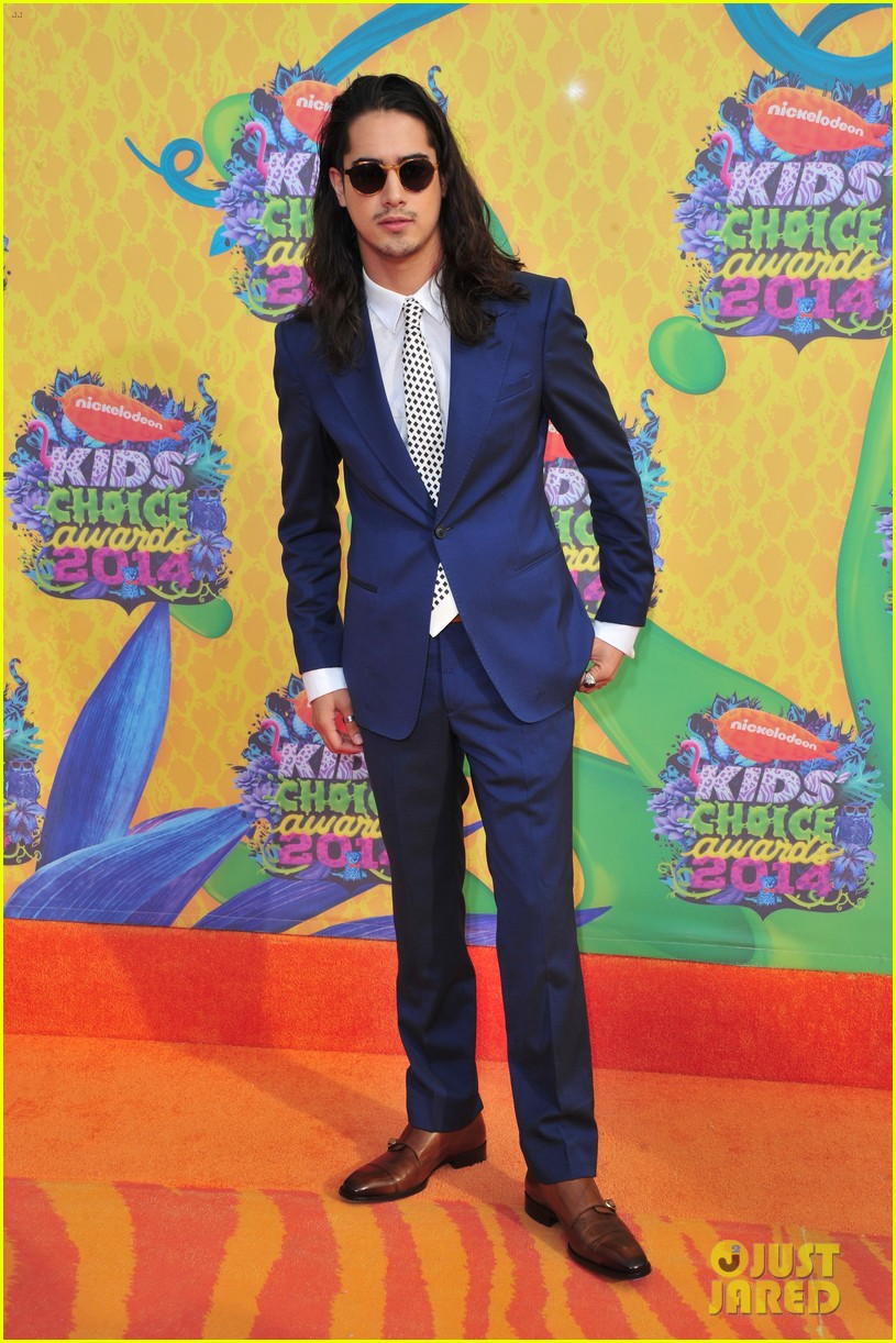 zoey deutch avan jogia kids choice awards 2014 04