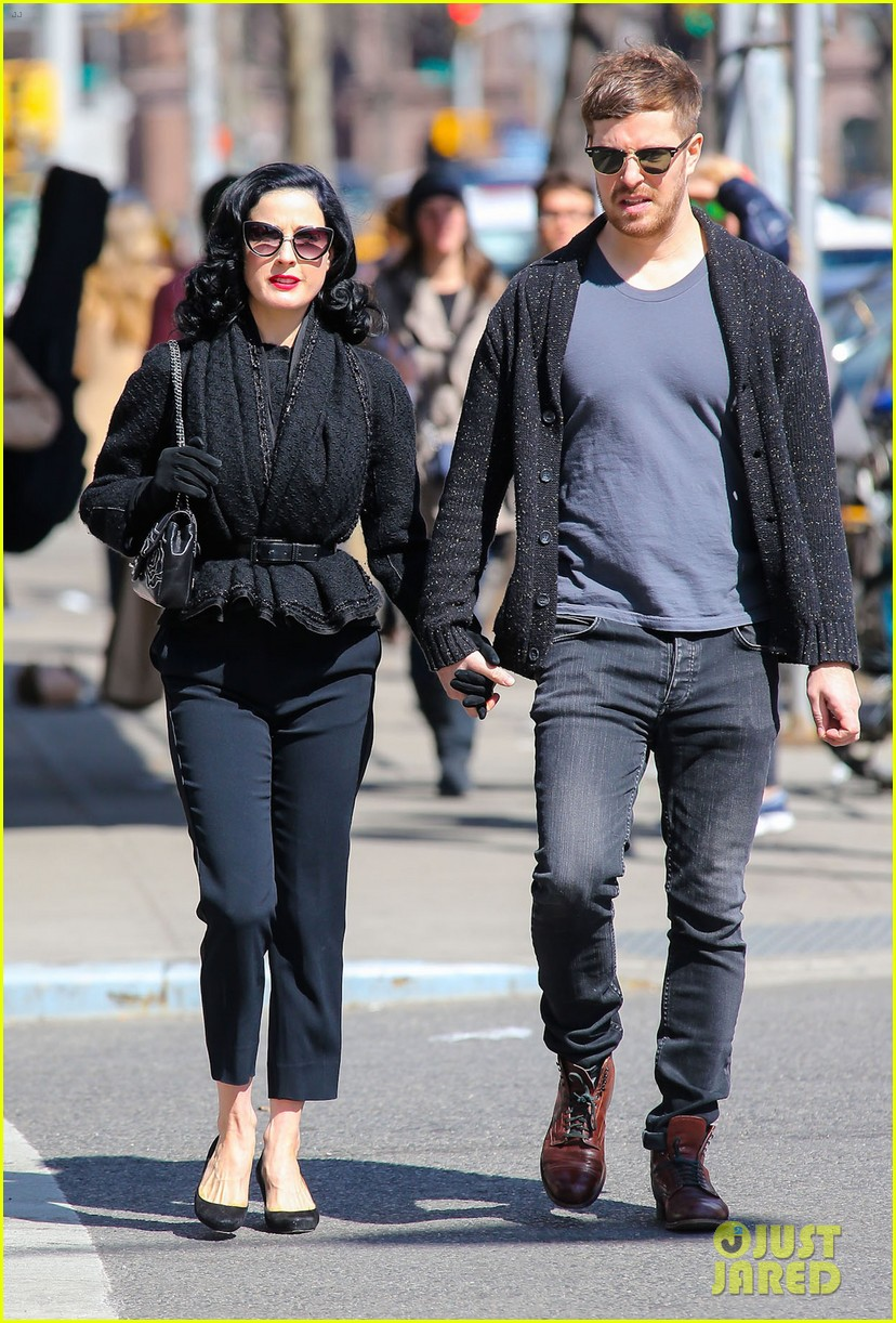 dita von teese holds hands with mystery man nyc 07