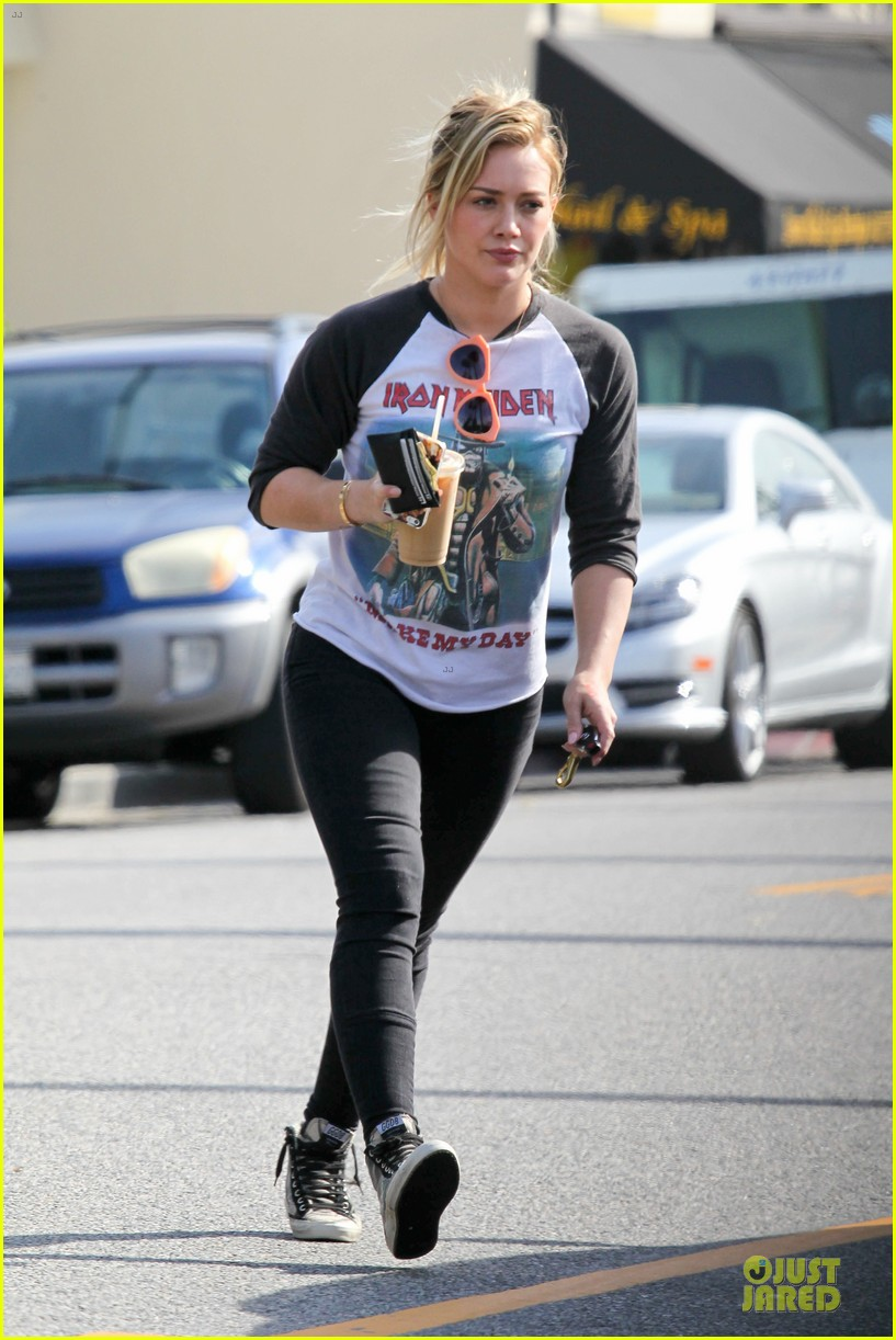 hilary duff heavy metal band iron maiden makes my day 01