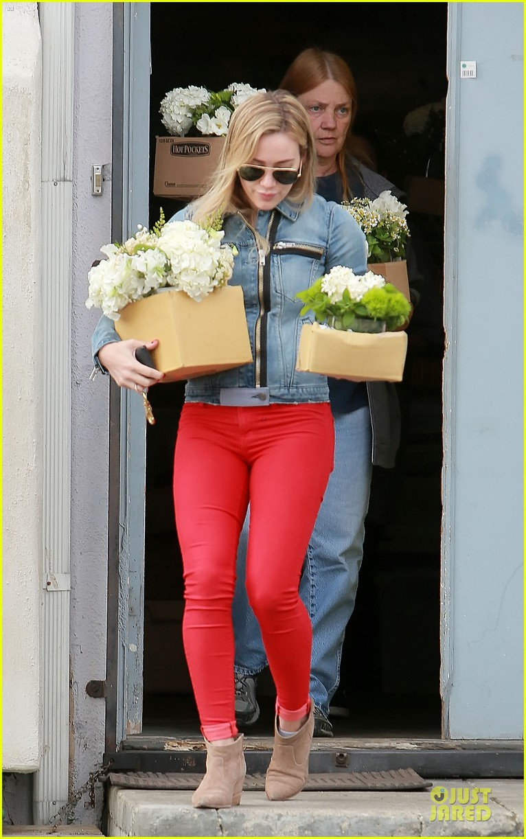 hilary duff stylish with red 20
