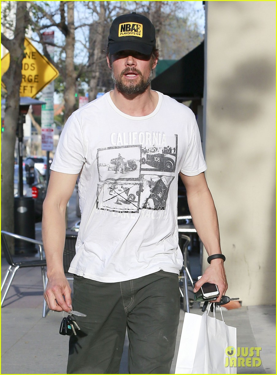 josh duhamel shows off his scruffy beard during shopping trip with fergie 043068761