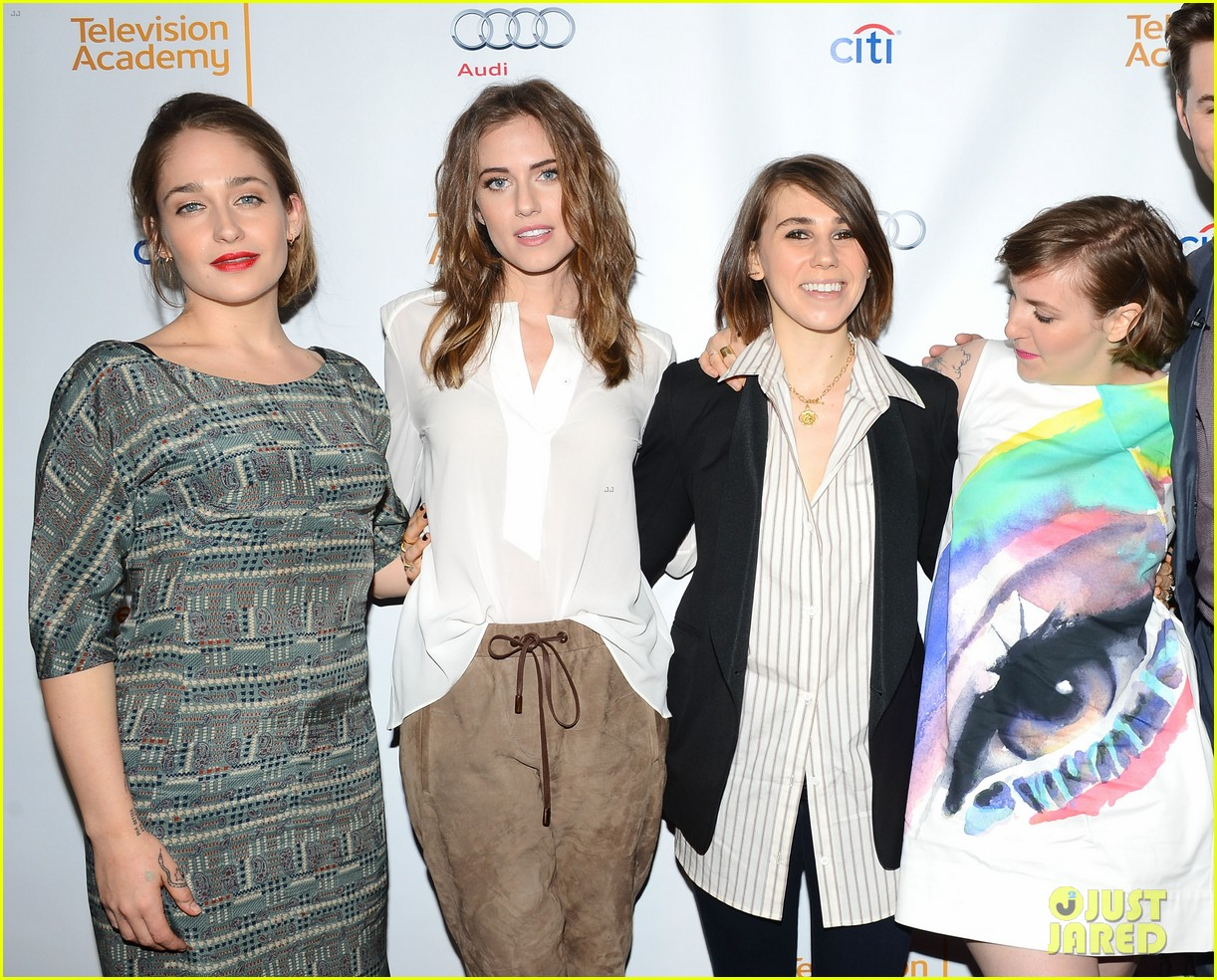 lena dunham allison williams an evening with the cast of girls 06