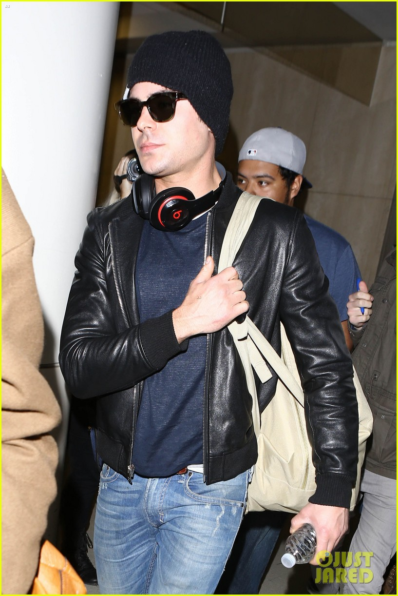 zac efron ashton kutcher fly out of austin after sxsw 18