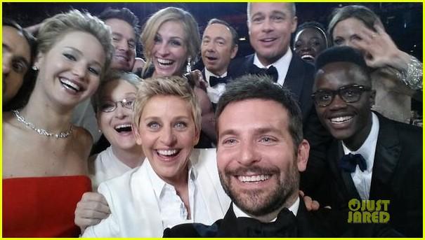 ellen degeneres oscars selfie 2014 02
