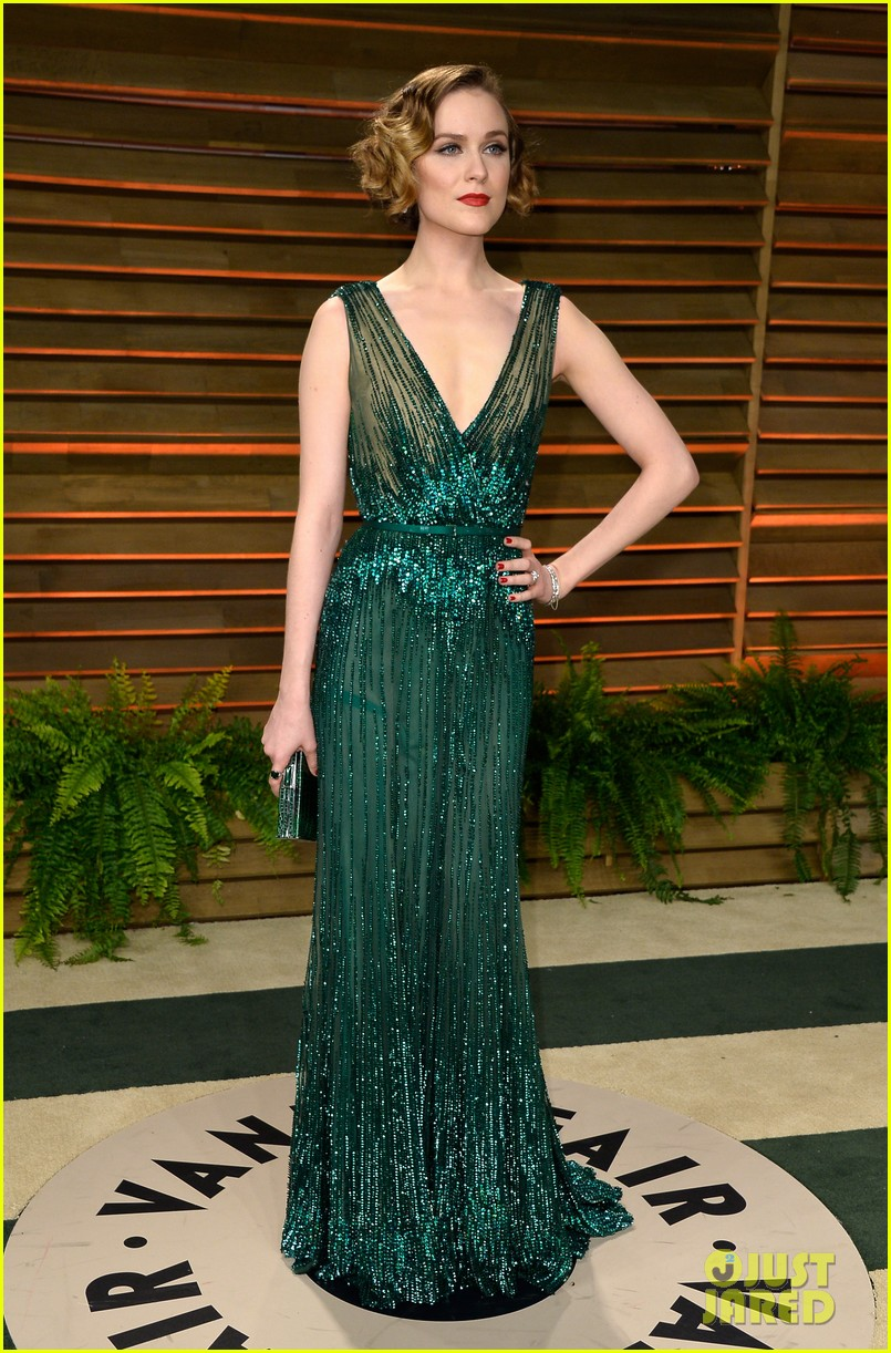 evan rachel wood channels old hollywood for vanity fair oscars party 2014 05