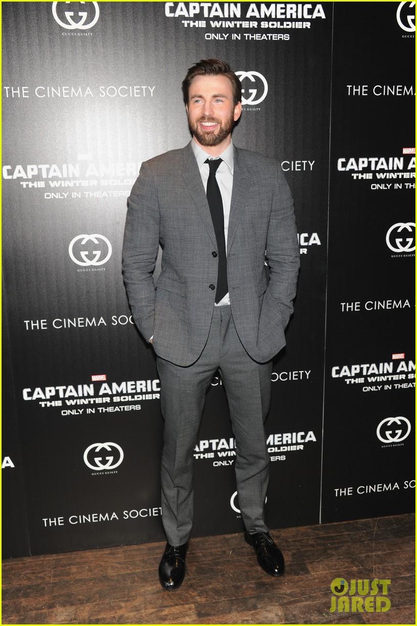 chris evans sebastian stan captain america nyc premiere 11
