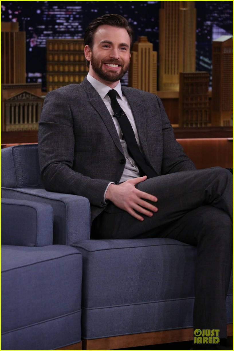 chris evans set record straight on retiring rumors 023082573