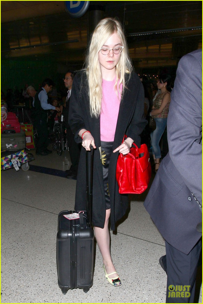 elle fanning blames schedule for not learning to drive 113068402