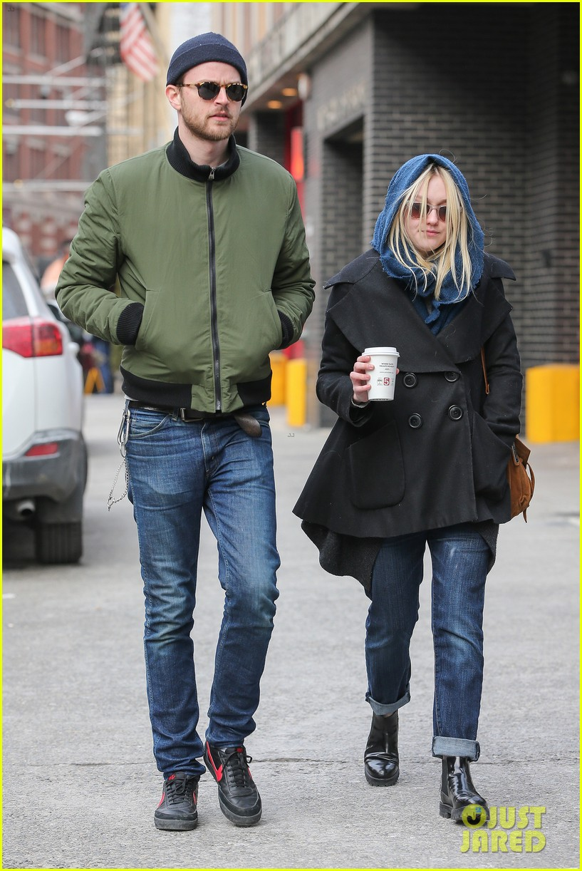 dakota fanning heading to nevada soon for new film 013066738