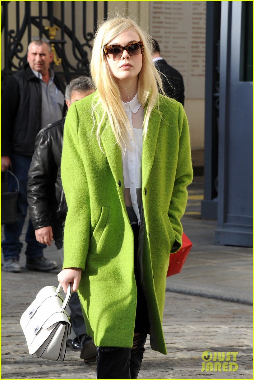 dakota elle fanning are chic sisters on separate continents 11