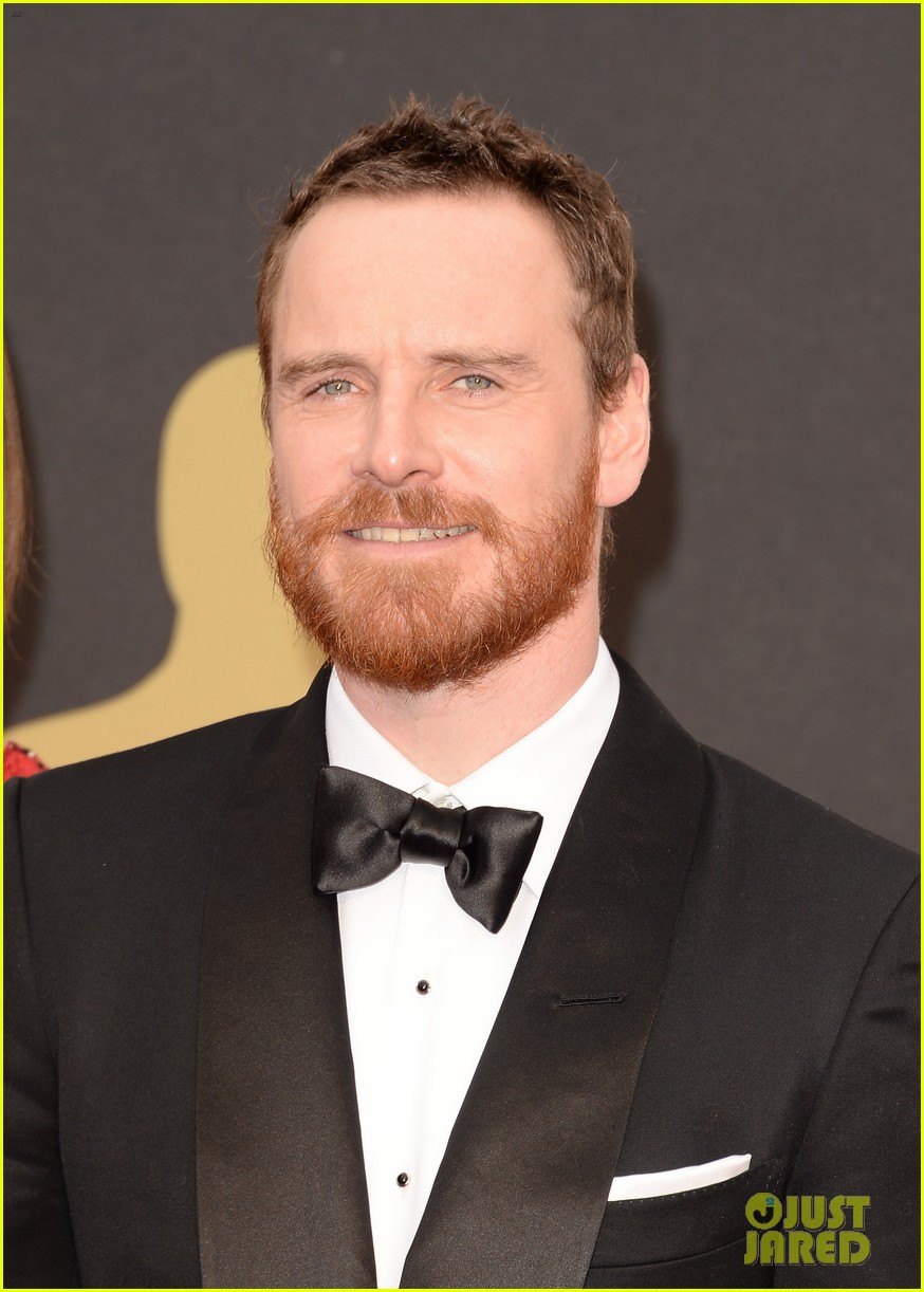michael fassbender takes his mom to the oscars 2014 013064143