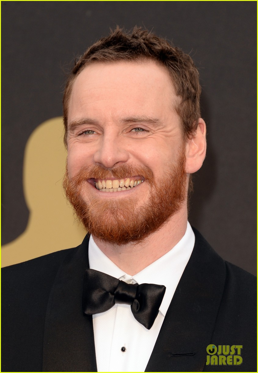 michael fassbender takes his mom to the oscars 2014 053064147