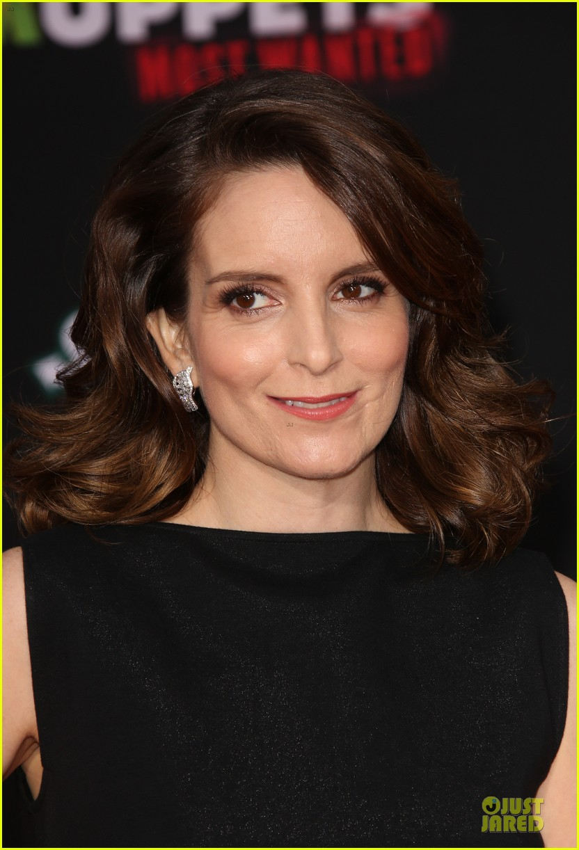 tina fey ty burrell muppets hollywood premiere 12