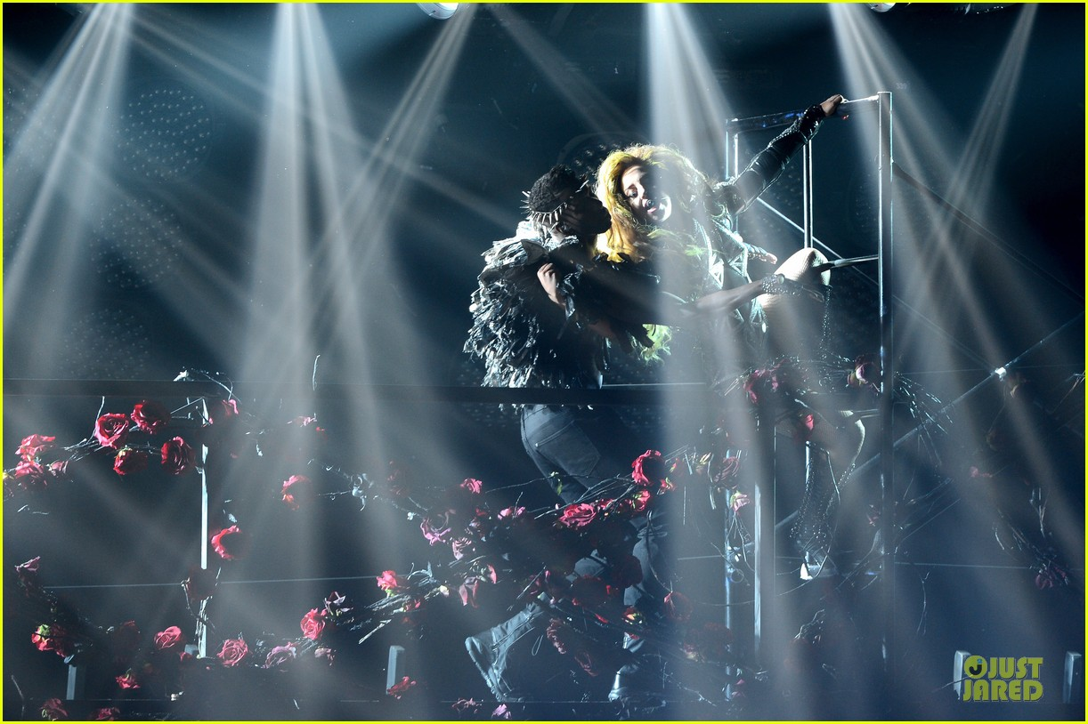 lady gaga rock flashy outfits for roseland ballroom 04