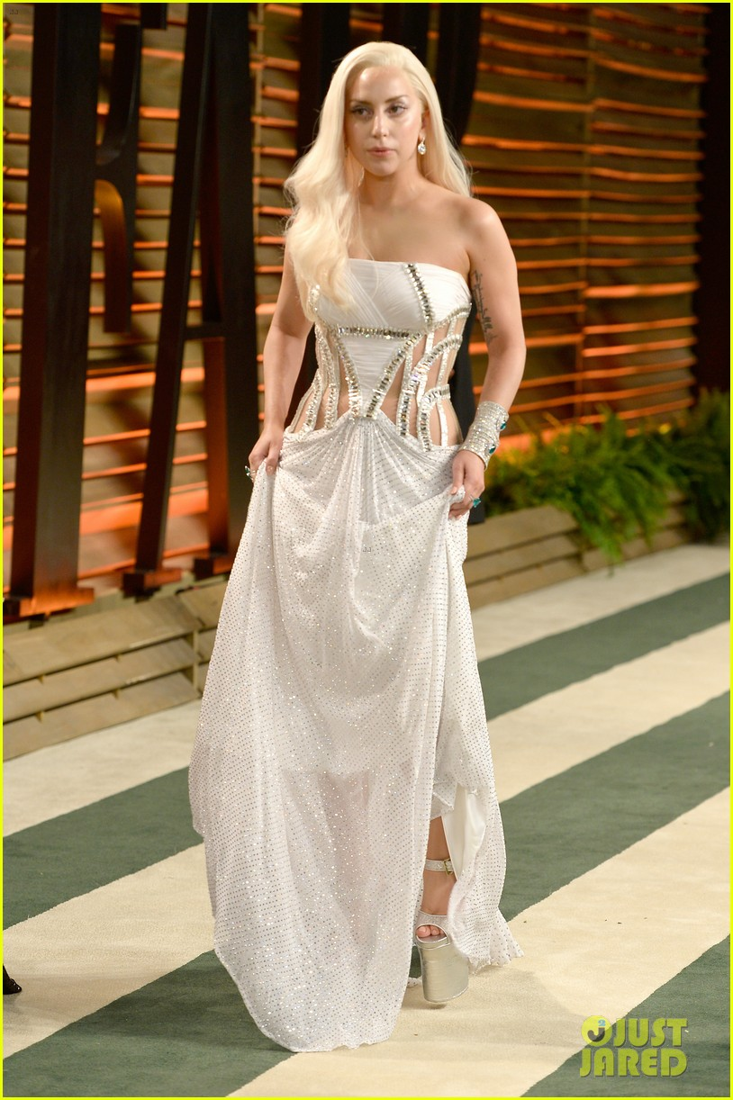 lady gaga switches dress for vanity fair oscars party 2014 053064403