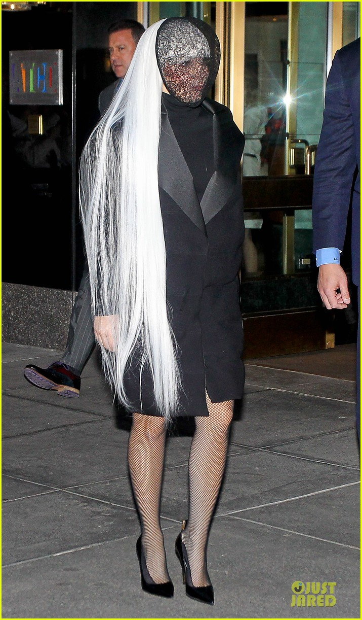 lady gaga beauty recognizable under veil 07