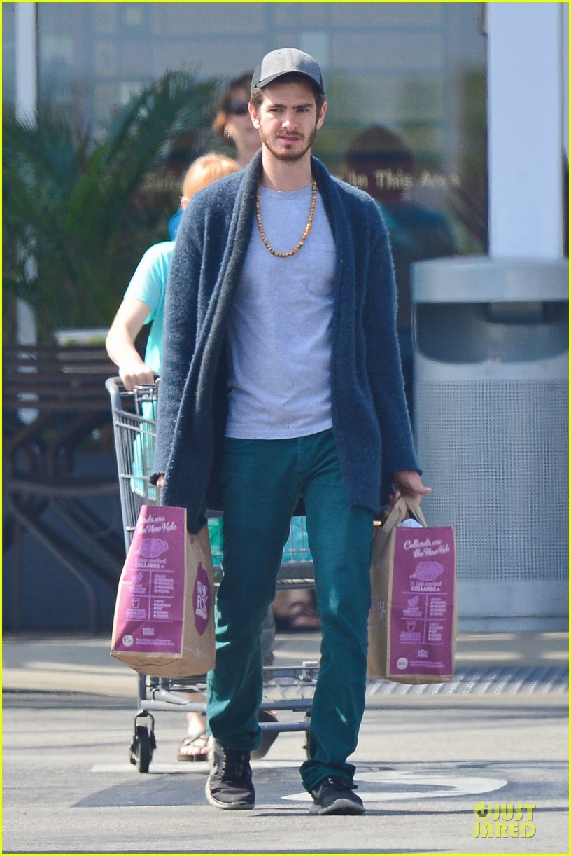 andrew garfield builds mother son chemistry with 99 homes co star laura dern 21