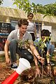 andrew garfield jamie foxx want you to be a superhero for the planet 11