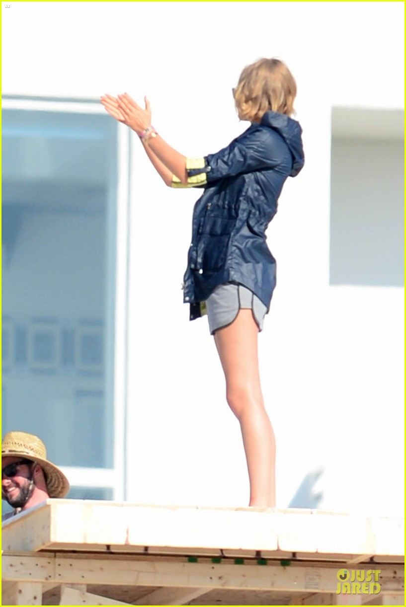 toni garrn is smokin hot for miami photoshoot 223072152