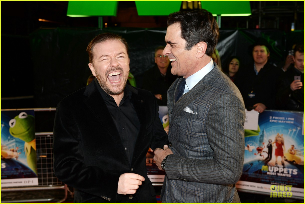 ricky gervais ty burrell look vip at muppets london 02