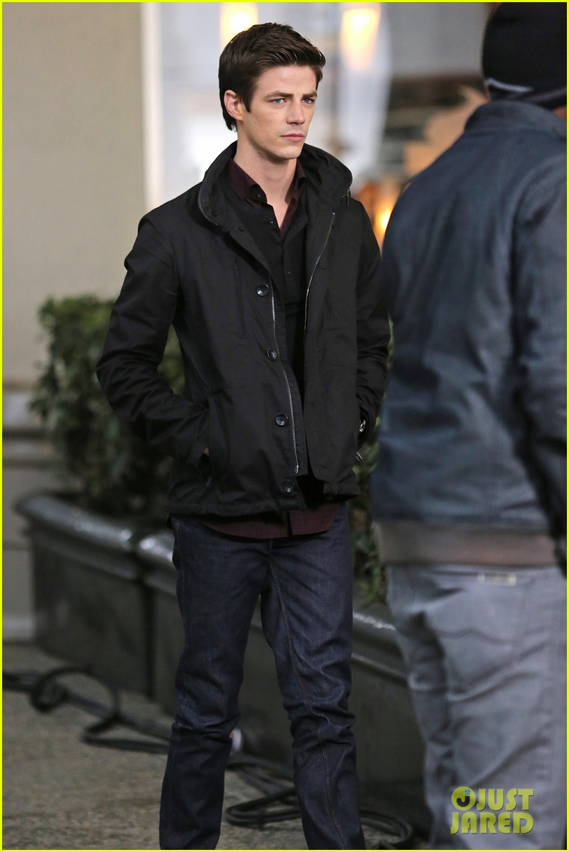grant gustin begins filming the flash 14