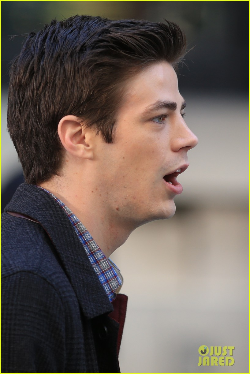 grant gustin flashes into action 173071223