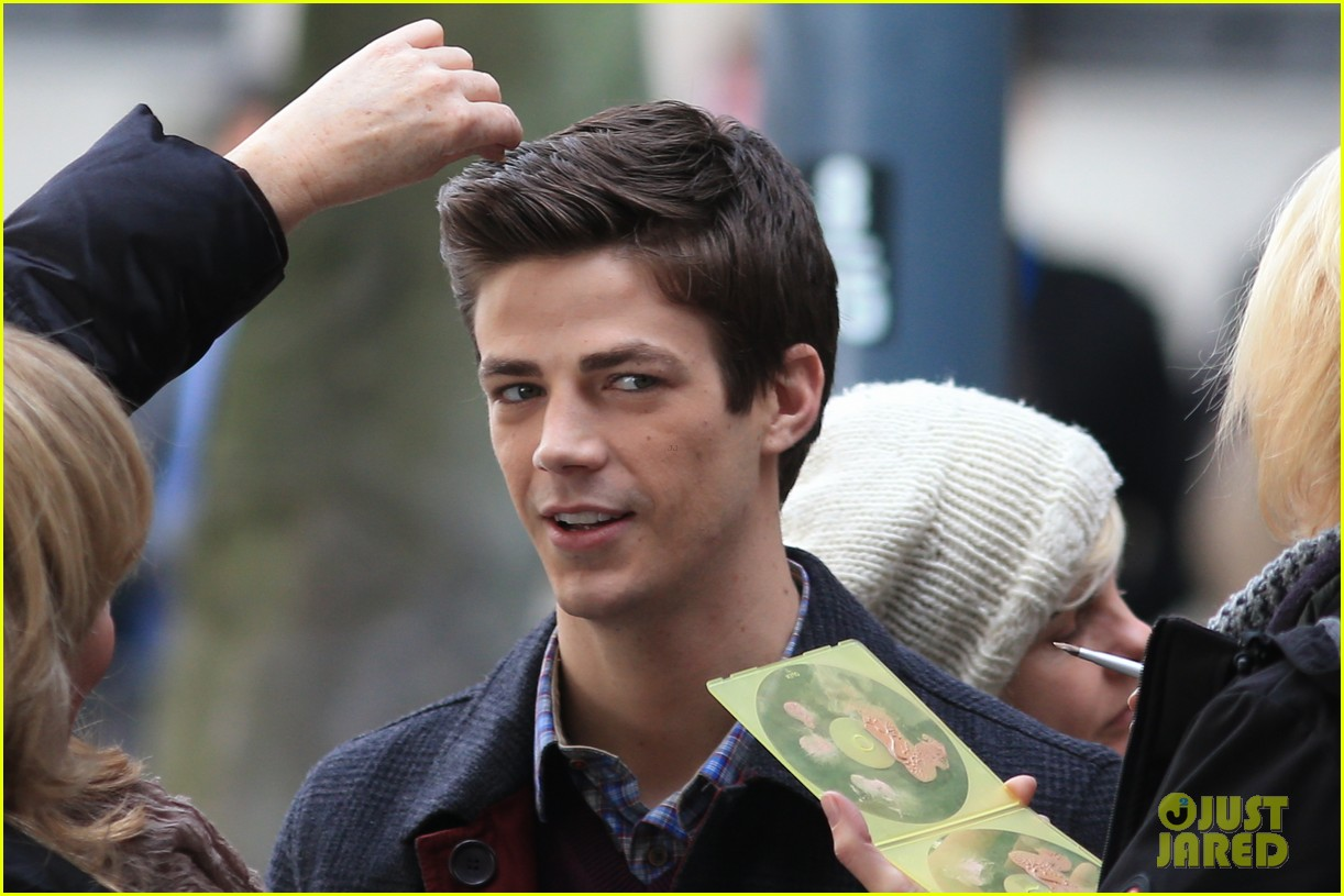 grant gustin flashes into action 243071230