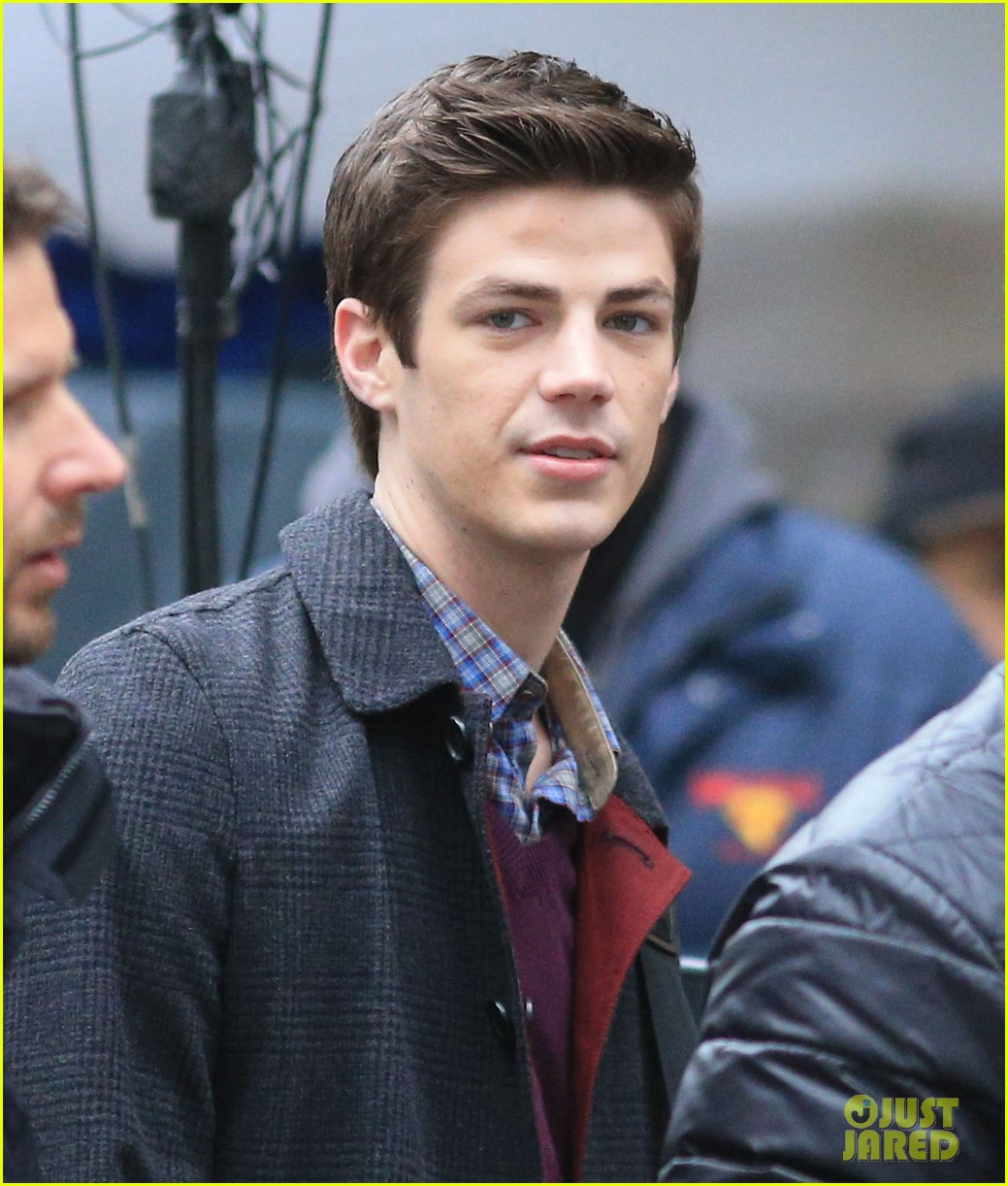 the flashs grant gustin cant wait to see his pup 02