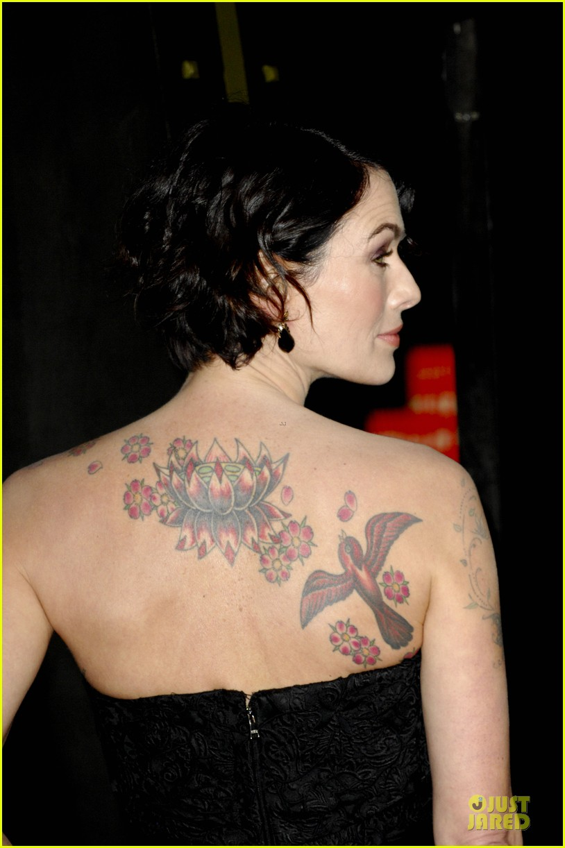lena headey shows tattoos at 300 premiere with eva green 02